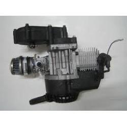 Motor de 2 tiempos original de miniquads de gasolina. Incluye carburador, filtro de aire, tirador de arranque manual y bobina.